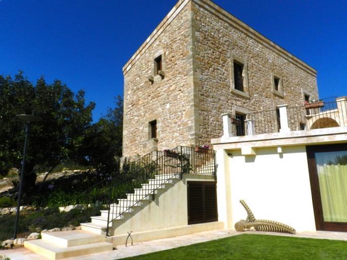 Sicilian villa2