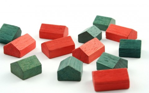 RS21842 iStock2  Images M Z1  Mmonopoly houses red n green scr 480x300