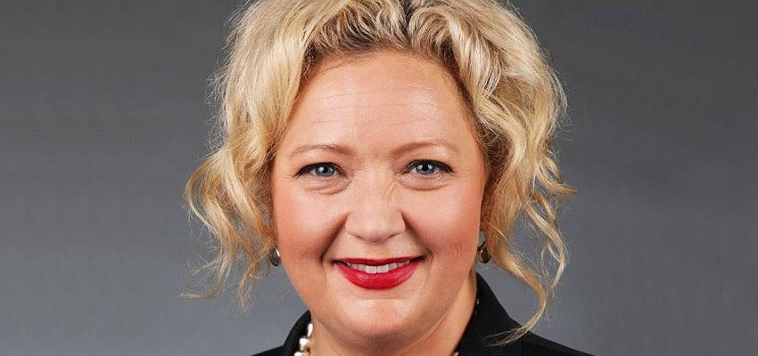 Jill Hennessy reb