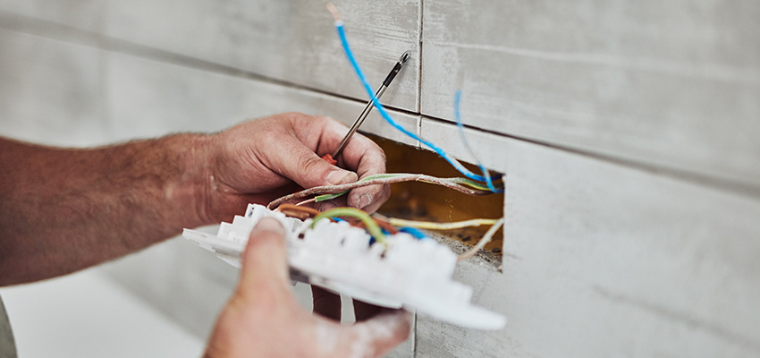 electrician working reb