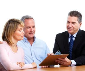 couplemeeting financialadviser Sstock 89754160